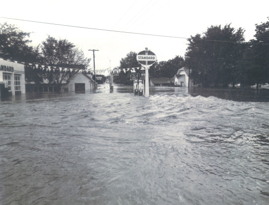 Trader Point gas station flooding in 1950's flood
